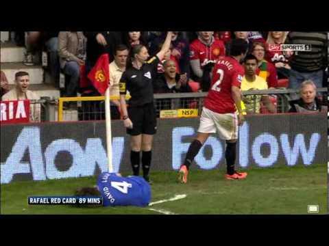 Chelsea's David Luiz smiles while Rafael gets sent off! Chelsea vs Man Utd 05/05/13
