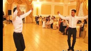 Танец жениха и свидетеля на крымско татарской свадьбе(, 2012-11-27T07:43:18.000Z)