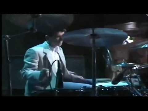 The Smiths - Panic (Live Eurotube 1986) hq