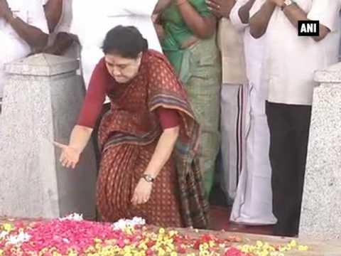 Sasikala pays floral tribute to Jayalalithaa before surrendering  - ANI News