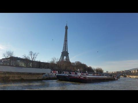 Sur le Bateaux Mouches...Paris