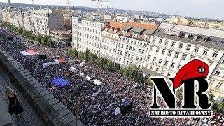 Naprosto retardovaný - Nedemokratické Protesty