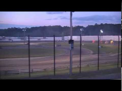 WHIP CITY SPEEDWAY : 270cc Feature 9/5/09