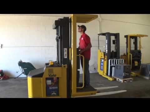 2005 Yale OS030ECN24TE089 - Stand-Up Electric Order Picker Forklift ...