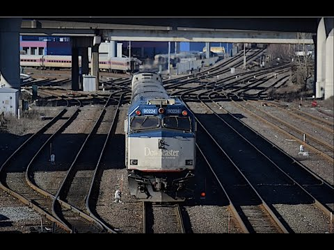 Northside MBTA & Amtrak Morning Rush In Boston! W/Lots Of F40's! 1.12.17