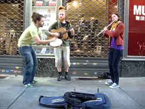 Street music in Turin: Minor Swing