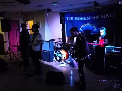 Stuck in the Middle  with you Stealers Wheel cover by The Bohemian Kings live at the Barn Owl