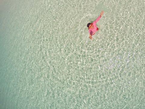 Фото голых парочек нудистов на природе