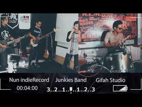 Gigi - 11 Januari || Cover By Junkies || Gifah Studio