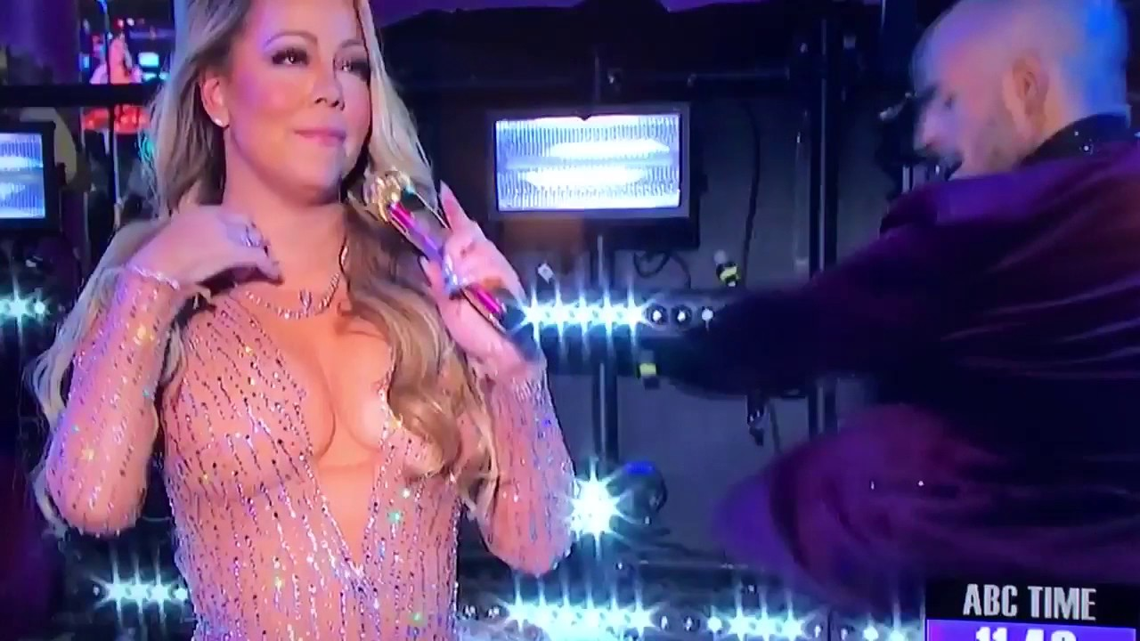 Mariah Carey's Huge Mistake during New Year's Eve 2017 ... Mariah Carey New Years Eve