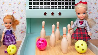 Elsa and Anna Toddler Dolls BOWLING PARTY!! Competition Bowling Photo Booth FUN!!