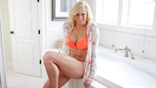 Charlotte Flair Personal info  Height, Weight, Age, Bio, body, Hair style, Tattoo, Net Worth & Wiki!