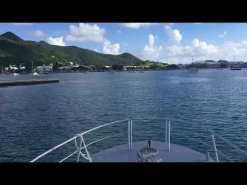 Ferry de Anguilla acercándose a Marigot, Saint Martin 2016