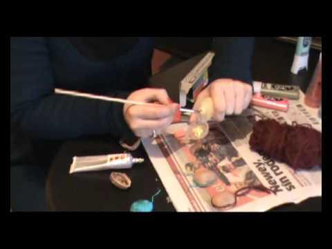 Reciclaje cascaras nueces adornos navidad 2013 xvid tutorial youtube - Cascara nueces para decorar ...