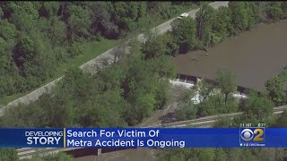 Search Resumes For Teen Missing After Metra Accident