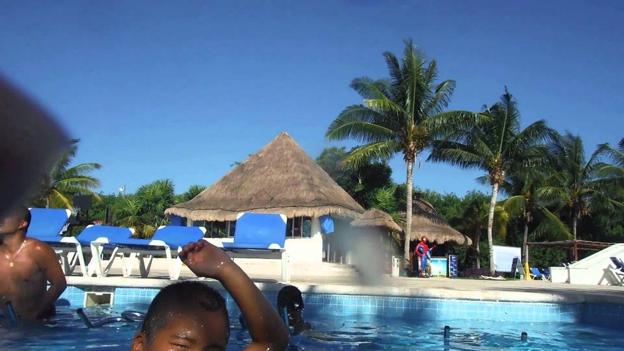 Pool time 2 bluebay grand esmeralda resort riviera maya for Blue bay grand esmeralda deluxe v jardin