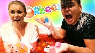 EXTREME ORBEEZ AND JELLY BATH CHALLENGE! W/Boyfriend