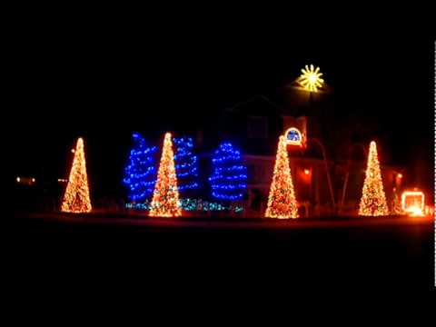 Cadger Christmas Light Show 2011 - Amazing Grace - YouTube