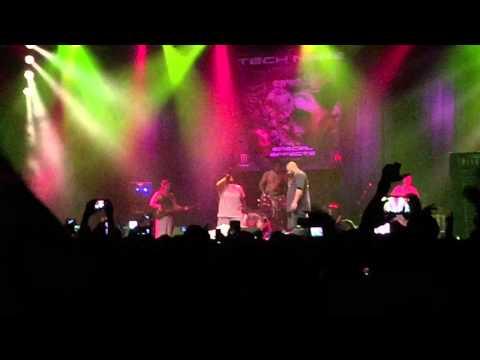 "Tech N9ne & Krizz Kaliko ""So Dope"" Live"