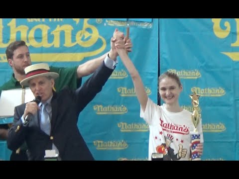 Nathan's Famous Hot Dog Eating Contest 2016 (Houston, TX Qualifier)