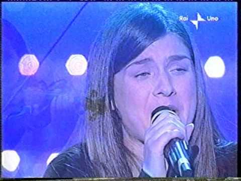 """Sanremo 2003 serata Finale Elsa Lila  """" Valeria"""""""