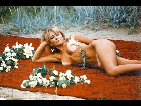 Foxy big boob nude teen