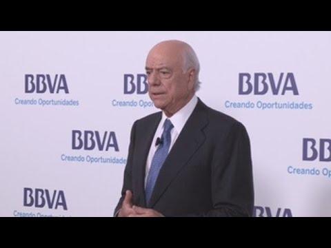 El juez del caso Villarejo imputa al expresidente del BBVA Francisco González