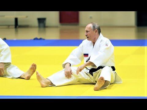 Путин отказался от красно белого пояса и шестого дана по дзюдо