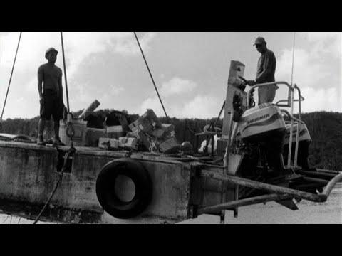À bord du St Xavier Maris Stella III, goélette aux Tuamotu - FR (2010)