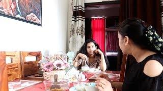 इकलौती है तो सिर पर चढ़ गयी है !! 😟😯   Share & Earn upto Rs. 9000 weekly   Indian Mom Studio