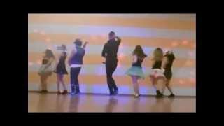 Download Don Omar Ft Natti Natasha & Pitbull - Tus Movimientos Mp3 and Videos