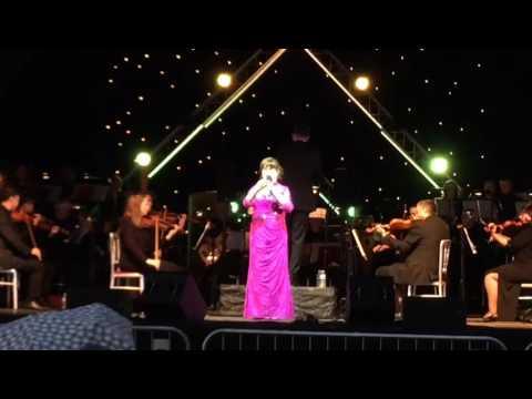 Susan Boyle - Somewhere Over The Rainbow - Glamis Prom 2017