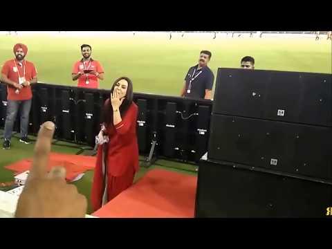 Preity zinta Fun at IPL Distributing T Shirts Kings XI Punjab thumbnail