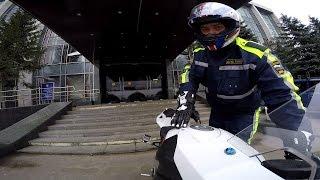 В России полицейские притесняют нерусских на спорткарах и мотоциклистов на спорбайках–беспредел ДПС