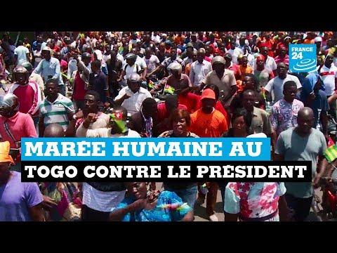 Marée humaine au Togo contre le président