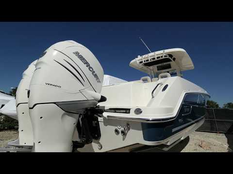 2018 Boston Whaler 330 Outrage Boat For Sale at MarineMax Ft. Myers
