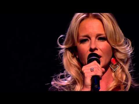 Chantal Janzen - Geef Mij Je Angst tijdens Holland Zingt Hazes