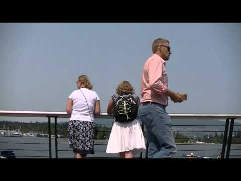 People Watching in COAL HARBOR - VANCOUVER BC CANADA - Stanley Park & Ocean