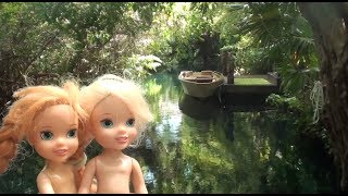 Elsa and Anna toddlers go on holidays and pack their suitcases part 3 animals &  water park fun