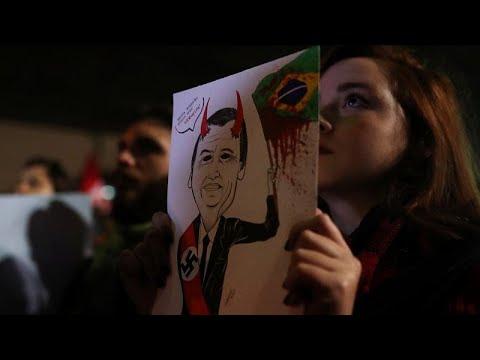 شاهد: مظاهرات عارمة في البرازيل احتجاجا على -الديكتاتورية- …  - 16:54-2019 / 8 / 6
