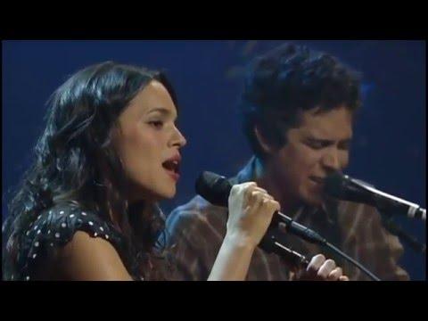 Norah Jones feat  M  Ward: Blue Bayou (Live in Austin)