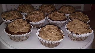 Cupcakes que já assa recheado.
