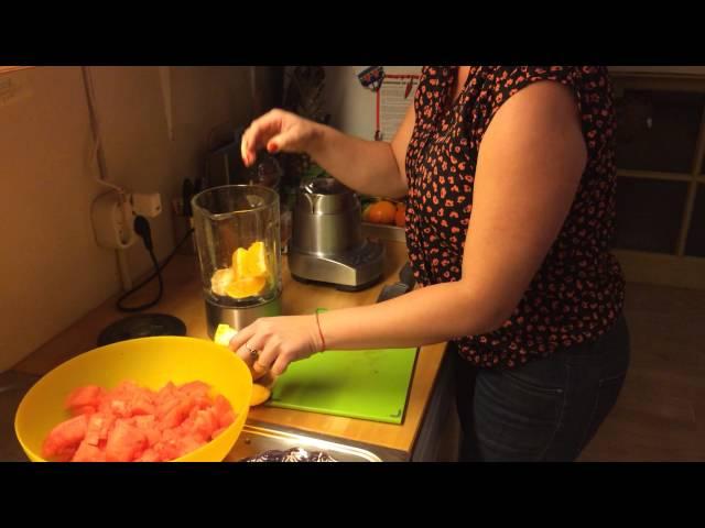 Smoothie de melancia, laranja e erva cidreira (Melissa)