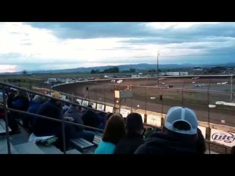 Closing laps of Late Model Main Gallatin Speedway