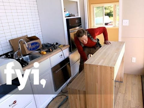 Tiny House Nation: Zacku0027s Dining Table Design | FYI