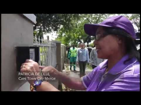 Mayor Patricia De Lille visits excessive water users