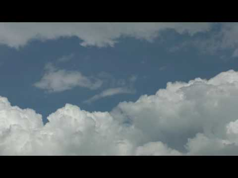 #YouTube video HD 2K - Beautiful clouds - Wolken schhwimmen im Himmel #footage background