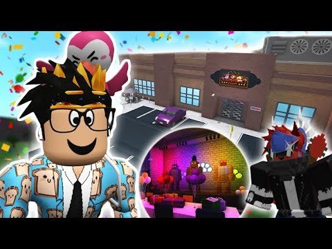 Many Nights At Freddys Role Play Roblox Places To Visit Touring Bloxburg S Five Nights At Freddy S This Place Scares Me Youtube