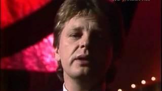 Download Юрий Антонов - Снегири. 1984 Mp3 and Videos