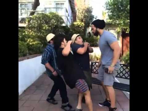 How short people slap tall pepole